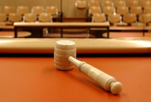 Rechtbank schreeuwt om zaken