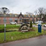 C.  werkte in Veenhuizen lange tijd als kantinebaas